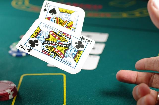 ハワイでの休暇でのギャンブルのルールは何ですか?